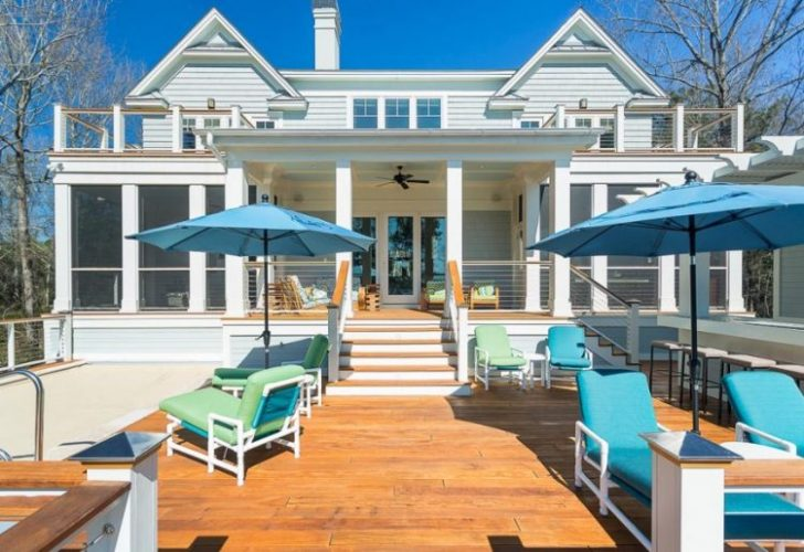 Beach house decks with two level