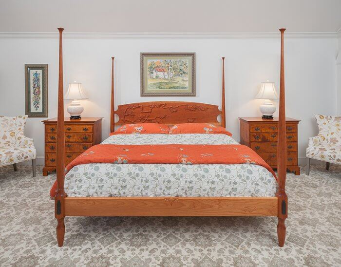 Types of beds: Carved pencil poster bed