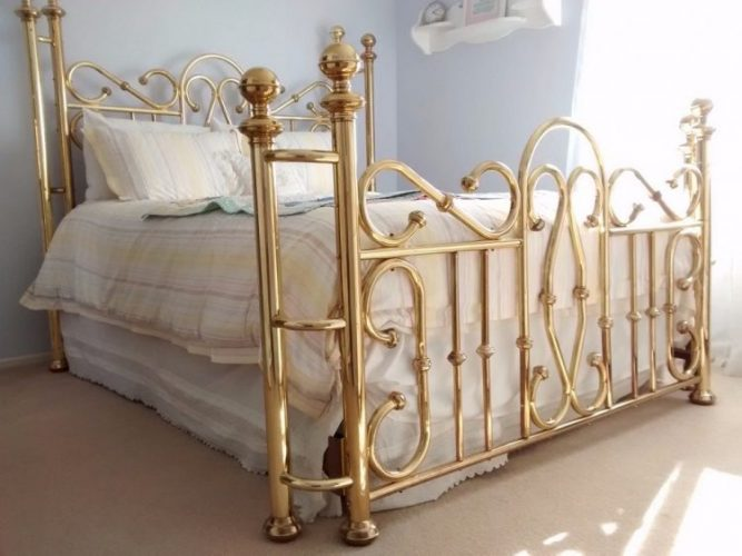 Types of bed frames; Brass