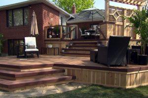 Multi level cedar deck with privacy wall