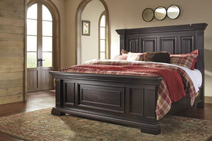 Types of beds Willenburg Queen Panel Bed
