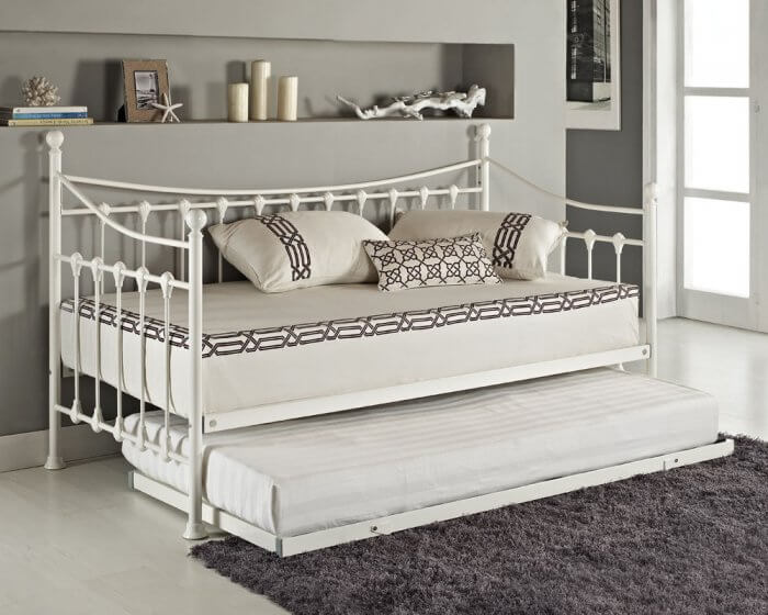 Types of beds: Versailles french day bed