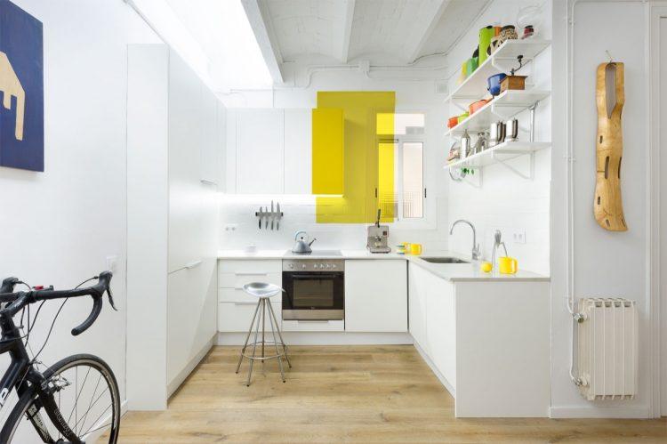 White kitchen yellow splash
