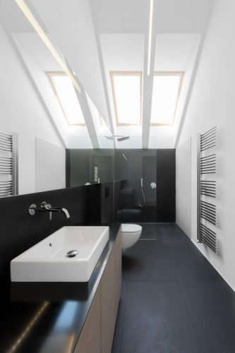 Bathroom mirrors with natural light effect