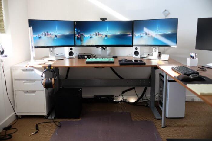 Types of desks; Computer desk