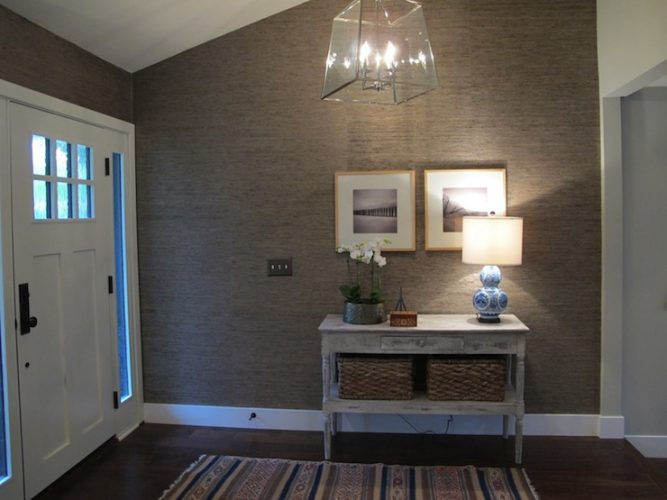 Modern cottage entry table ideas
