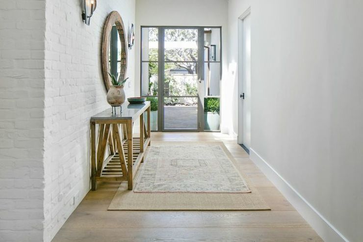 Rustic and rugs entry table ideas