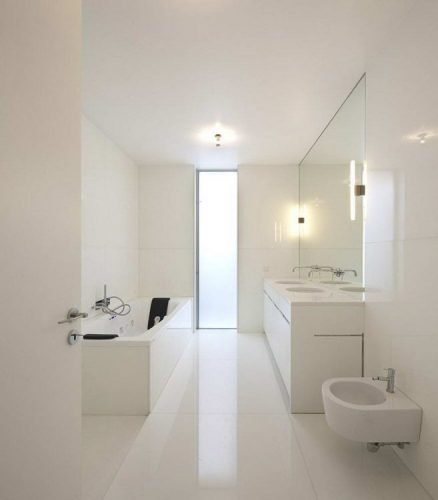 Seamless and continuous look bathroom mirrors ideas
