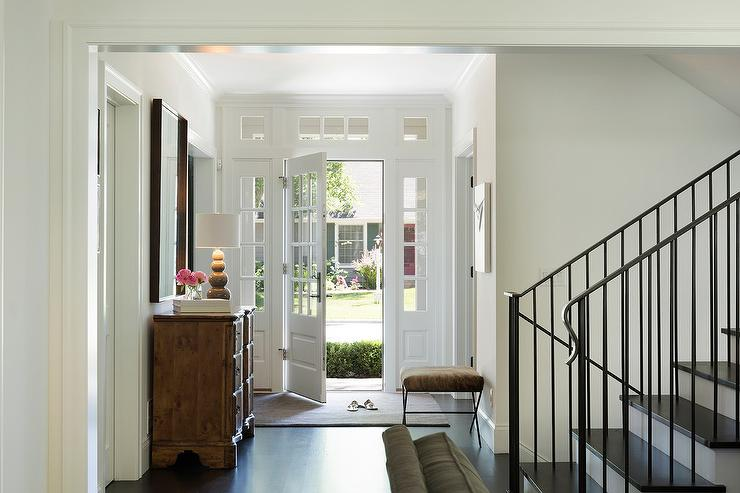 Sidelights and transom windows entry table ideas