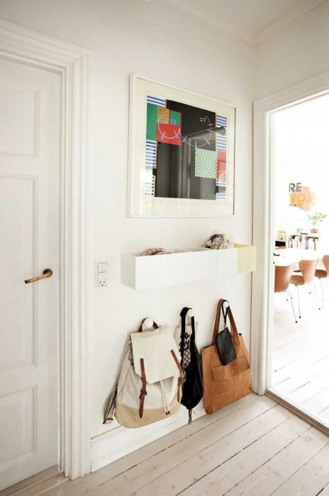 Simplistic small entryway ideas