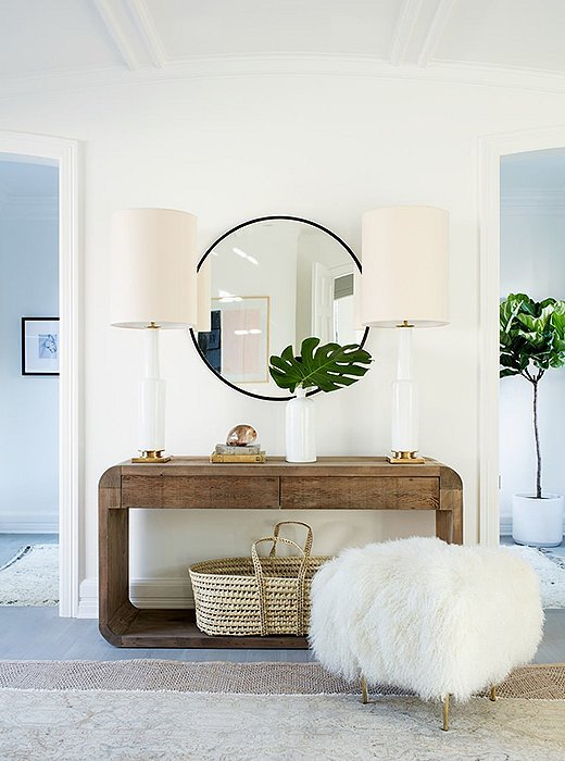 Modern and chic small entryway ideas