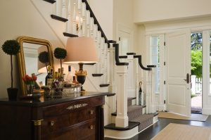 Traditional and antique entry table ideas