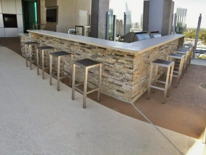 L-shaped rock outdoor bar ideas