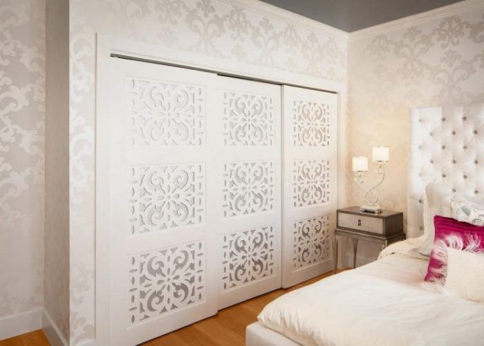Play with pattern closet door ideas