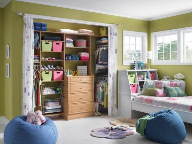 Clutter cover closet door ideas