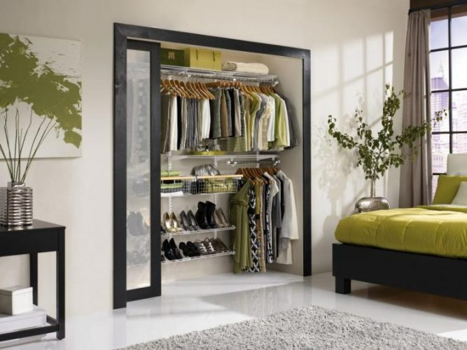 Space saver closet door ideas