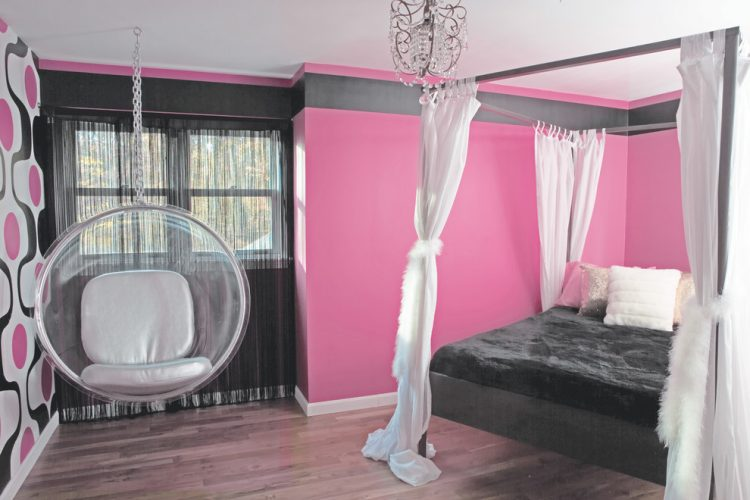 Dramatic young girls bedroom ideas in 60's style