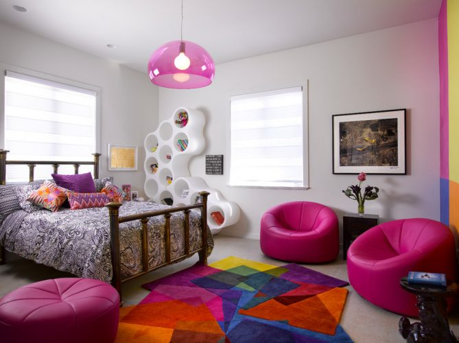 Tween bedroom ideas in pink and mozaic carpet