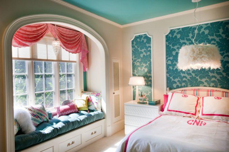 Tween / teen bedroom ideas with chandelier
