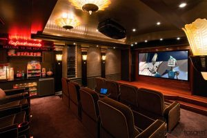 Family Night / Bioskop Studios Best Home Theather Theme