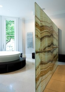 Standing screen sandwiched bathroom divider