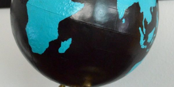 Creative Globe Recycling for Vintage Decor Ideas